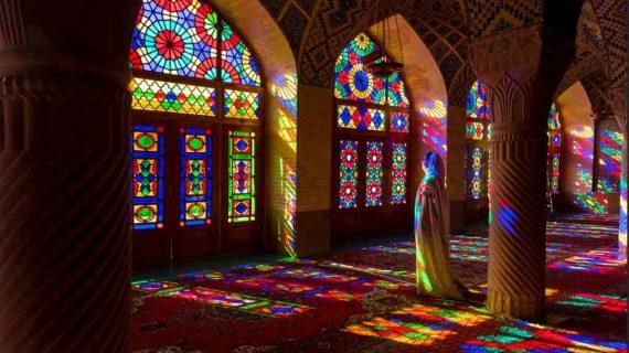 شیشه گری هنری فراسوی نور و رنگ
